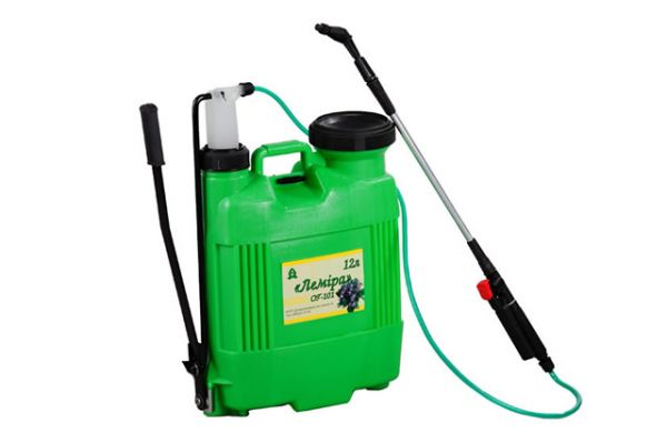Hydraulic sprayers